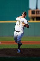 Bradenton Marauders starting pitcher Colten Brewer (32) delivers a pitch during a game against the Fort Myers Miracle on April 9, 2016 at McKechnie Field in Bradenton, Florida.  Fort Myers defeated Bradenton 5-1.  (Mike Janes/Four Seam Images)