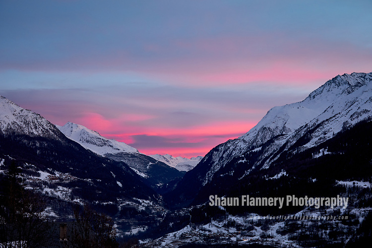 Pix: Shaun Flannery/shaunflanneryphotography.com<br /> <br /> COPYRIGHT PICTURE>>SHAUN FLANNERY>01302-570814>>07778315553>><br /> <br /> December 2018<br /> Sunset in the Isere Valley <br /> French Alps<br /> <br /> #hautetarentaise #shaunflanneryphotography #canonprofessional #eospro #livebreathoutdoors #landscape #mountain #snow #frenchalps #landscapephotography #dramaticsky