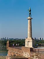 Königstor, Ravelin, Statue Pobednik - Der Sieger, Festung,  Belgrad, Serbien, Europa<br /> Kings Gate, Statue of the Victor Pobednik  in the fortress Kalemegdan,  Belgrade, Serbia, Europe