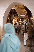 Afrique/Afrique du Nord/Maroc/Fèz: Dans la médina de Fèz-El-Bali ruelle du souk