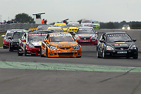 Round 7 of the 2005 British Touring Car Championship. Race action.