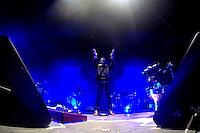 Cuernavaca, Morelos. 17 de Diciembres de 2015.-  Esta noche como parte de gira  'CT + Z'. Las bandas mexicanas Zoé y Café Tacvba se presentaron en la explanada del parque Beraka, ante más de 5 mil personas que disfrutaron el concierto por más de 2 horas y media de las ícono as bandas del rock mexicano. <br /> <br /> En la imagen el grupo Zoé.<br /> <br /> <br /> Fotos: Noé Knapp