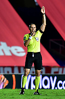 CALI – COLOMBIA, 15-11-2020: Edilson Ariza Moreno, arbitro, durante el partido entre América de Cali y La Equidad por la fecha 20 de la Liga BetPlay DIMAYOR I 2020 jugado en el estadio Pascual Guerrero de la ciudad de Cali. / Edilson Ariza Moreno, referee, during match between America de Cali and La Equidad for the date 20 as part of BetPlay DIMAYOR League I 2020 played at the Pascual Guerrero stadium in Cali city. Photos: VizzorImage / Nelson Rios / Cont.