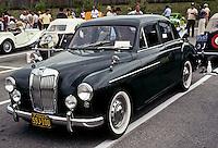 Car: MG Magnet. Photo '78.