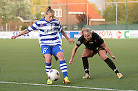 AA Gent - Telstar :<br /> <br /> Margaux Van Ackere (L) is sneller op de bal dan Dominique Vugts (R)<br /> <br /> foto Dirk Vuylsteke / Nikonpro.be