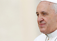 Papa Francesco tiene l'udienza generale del mercoledi' in Piazza San Pietro, Citta' del Vaticano, 1 aprile 2015.<br /> Pope Francis arrives for his weekly general audience in St. Peter's Square at the Vatican, 1 April 2015.<br /> UPDATE IMAGES PRESS/Isabella Bonotto<br /> <br /> STRICTLY ONLY FOR EDITORIAL USE