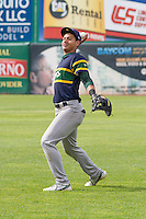 Beloit Snappers infielder Edwin Diaz (4) warms up prior to a Midwest League game against the Wisconsin Timber Rattlers on May 30th, 2015 at Fox Cities Stadium in Appleton, Wisconsin. Wisconsin defeated Beloit 5-3 in the completion of a game originally started on May 29th before being suspended by rain with the score tied 3-3 in the sixth inning. (Brad Krause/Four Seam Images)