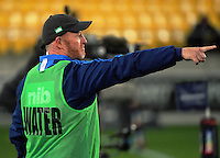 Blues skills coach Paul Feeney makes a point during the Super Rugby match between the Hurricanes and Blues at Westpac Stadium, Wellington, New Zealand on Saturday, 2 July 2016. Photo: Dave Lintott / lintottphoto.co.nz
