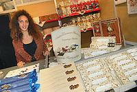 - truffle market in Alba, sale of nougats....- mercato dei tartufi ad Alba, vendita di torroni