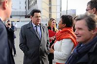 Visite du PrÈsident de la RÈpublique FranÁois Hollande dans la commune de Vaulx-en-velin sur le thËme de la politique de la ville. En prÈsence d'HÈlËne Geoffroy, secrÈtaire d'Ètat ‡ la ville.
