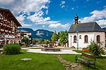Oesterreich, Tirol, Tannheimer Tal, Haldensee: Wellness-Hotel ...liebes Rot-Flueh und Kapelle zum Heiligen Jakobus | Austria, Tyrol, Tannheim Valley, Haldensee: wellness-hotel ...liebes Rot-Flueh and chapel St Jacob