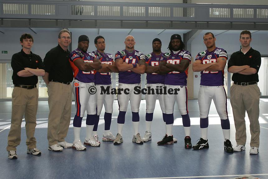 Defensive Coordinator Ed O`neil, LB Sarth Benoit, LB Jared Newberry, LB Matt Sinclair,LB Shurendy Concetion, LB Travis Harris,  LB Matt Farrior,
