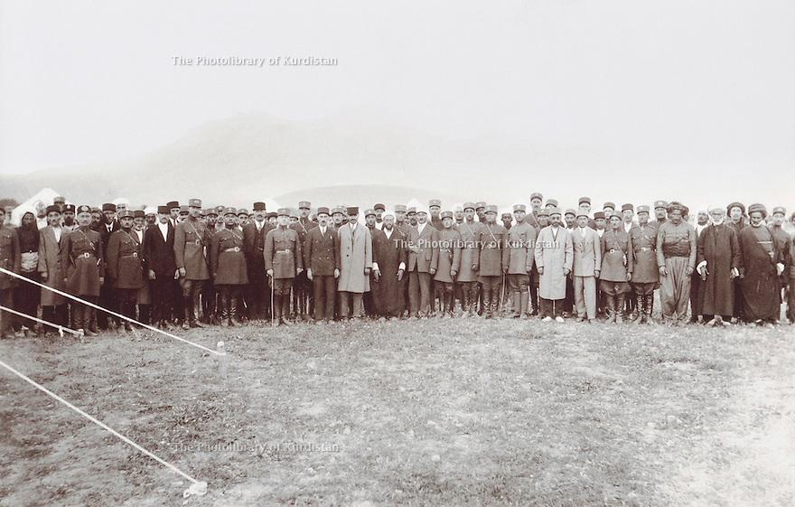 Iran 1935? .A group of Kurdish and Persian officials.<br /> Iran 1935? .Un groupe d'officiels kurdes et persans.