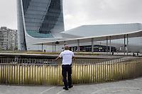 - Milano, quartiere CityLife, centro commerciale, servizio di sicurezza <br /> <br /> - Milan, CityLife district, shopping centre, security service