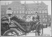 1956 WAR - Ceremonie - HOLLANDE