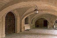 Europe/France/Languedoc-Roussillon/30/Gard/Uzès: Détail arcades hotel de la Rochette place aux herbes