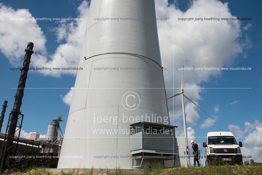 GERMANY Hamburg, wind turbine Siemens SWT-3.0-113 of Municipal energy supplier Hamburg Energie at Trimet aluminium company area / DEUTSCHLAND, Hamburg, Trimet Aluminium Werk Gelaende, Siemens Windkraftanlage SWT-3.0-113 des kommunalen Stromerzeuger Hamburg Energie, Siemens Service