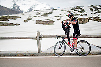 Maximiliano Richeze (ARG/UAE-Emirates) stopping atop the Passo San Bernardino (2065m/SUI) to put his jacket on properly before the descent<br /> <br /> 104th Giro d'Italia 2021 (2.UWT)<br /> Stage 20 (through Switzerland) from Verbania to Valle Spluga-Alpe Motta (164km)<br /> <br /> ©kramon