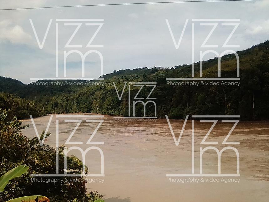 RIO CAUCA, BAJO CAUCA ANTIOQUEÑO -COLOMBIA: El río Cauca es la segunda arteria fluvial de Colombia. Nace cerca de la laguna del Buey en el Macizo Colombiano (departamento del Cauca) y desemboca en el río Magdalena cerca de la población de Pinillos en el departamento de Bolívar. / The Cauca River (Spanish: Río Cauca) is a river in Colombia that lies between the Occidental and Central cordilleras. From its headwaters in southwestern Colombia near the city of Popayán, it joins the Magdalena River near Magangué in Bolívar Department, and the combined river eventually flows out into the Caribbean Sea. Photo: VizzorImage / Felipe Caicedo / Staff