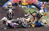 BOGOTA-COLOMBIA-13-JUNIO-2015.Campeonato nacional de motocros Casarella  pista del Parque La Florida ,en la foto caida en la categoria infantil.Photo: Vizzorimage / Felipe Caicedo / Staff