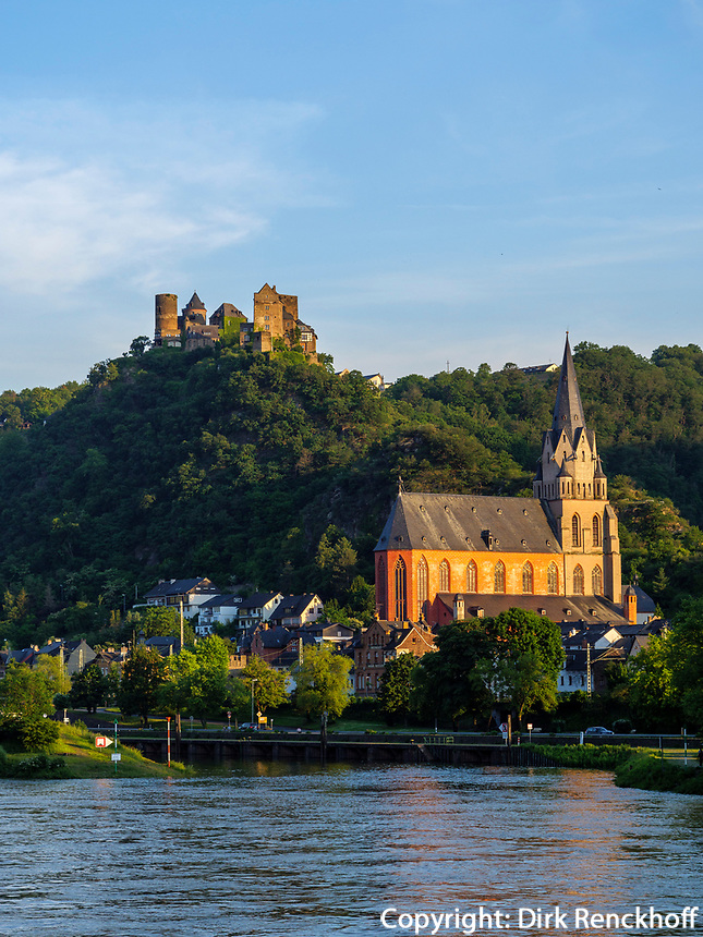 Schönburg und Liebfrauenkirche, 0berwesel, Rheinland-Pfalz, Deutschland, Europa<br /> Schönburg and Liebfrauenkirche, 0berwesel, Rhineland-Palatinate, Germany, Europe