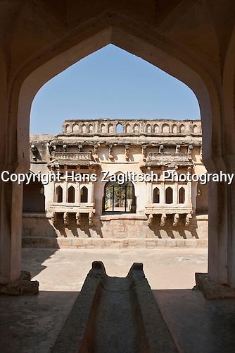 Bad der Königin (Queen's bath), Hampi, Karnataka, Indien