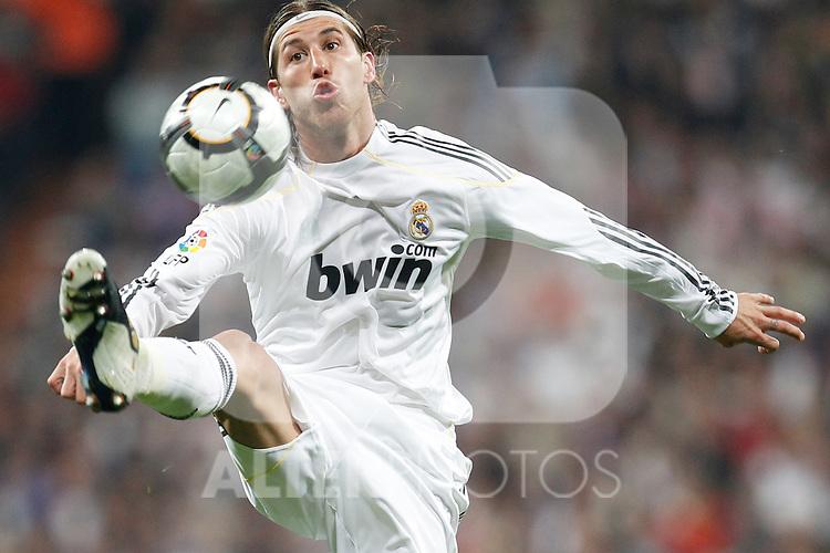 MADRID (10/04/2010).- Spanish League match Real Madrid vs Barcelona. Sergio Ramos...Photo Cesar Cebolla / ALFAQUI