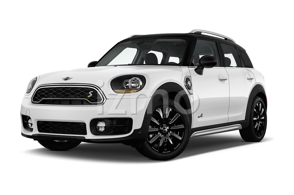 Stock pictures of low aggressive front three quarter view of a 2018 Mini Countryman S 5 Door Hatchback