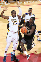 January 19, 2014<br /> <br /> College of Charleston vs. Towson University<br /> Photographer: Al Samuels