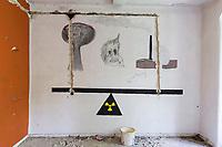"""Das ehemalige St. Josefsheim Waldniel-Hostert, Fuehrung durch das Heim mit der Kentschool Security Group, Graffiti, niemand, [das Josefsheim ist ein ehemaliges Franziskaner-Heim fuer Kinder mit Behinderung, nach 1937 war es die Kinderfachabteilung der Provinzial Heil- und Pflegeanstalt, in dieser Zeit wurden ca. 100 Kindern mit Behinderung durch die Nationalsozialisten ermordet, von 1963 bis 1991 britische Kent-School], heute leerstehende Ruine, [Treffpunkt fuer """"Geisterjaeger""""], lost place, lost places, moderne Ruine, Verfall, verfallen, Gedenkstaette, Euthanasie, Kindereuthanasie, Naziverbrechen, Verbrechen, Behinderung, Nationalsozialismus, Nazi-Zeit, Drittes Reich, Geschichte, Historie, Josefs-Heim, Europa, Deutschland, Nordrhein-Westfalen, Viersen, Schwalmtal, 08/2013<br /> <br /> Engl.: Europe, Germany, North Rhine-Westphalia, Viersen, Schwalmtal, former St. Josefsheim Waldniel-Hostert, guided tour through the home with the Kentschool Security Group, building, interior view, graffiti, memorial site, euthanasia, mercy killing, crime, disability, National Socialism, Third Reich, history, the Josefsheim is a former home managed by Franciscan monks for disabled children, after 1937 the National Socialists killed approx. 100 disabled children there, from 1963 - 1991 British Kent-School, August 2013"""