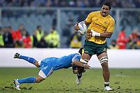Firenze 24/11/2012 .Rugby test match Stadio Franchi Italia vs Australia .Nella foto Sitaleki Timani placcato da Alberto Sgarbi .Photo Matteo Ciambelli / Insidefoto