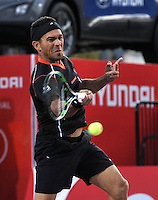 BOGOTA – COLOMBIA – 18-07-2014: Victor Estrella de Republica Dominicana,  devuelve la bola a Richard Gasquet de Francia durante partido de cuartos de final del Open Claro Colombia de tenis ATP 250, que se realiza en las canchas del Centro de Alto Rendimiento en Altura en ciudad de Bogota.  / Victor Estrella of Dominican Republic, returns the ball to Richard Gasquet of France, during a match for the quarter of finals of the Open Claro Colombia de tenis ATP 250, at Centro de Alto Rendimiento en Altura in Bogota City. Photo: VizzorImage / Luis Ramirez / Staff.