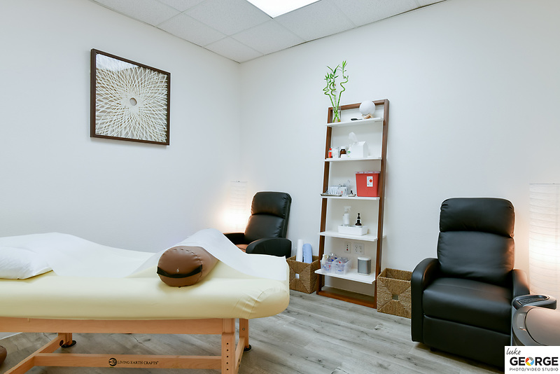 Pivot Acupuncture advertising photography, virtual tour and staff portraits.