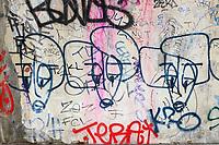 France, Paris, 75011:  Graffitis dans le métro //  France, Paris, Graffiti in the subway