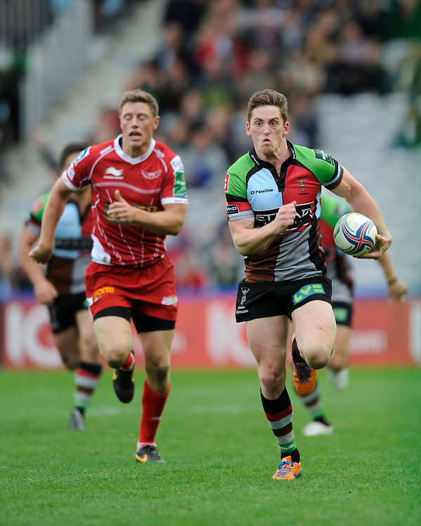 Tom Williams of Harlequins in action during the Heineken Cup Round 1 match between Harlequins and Scarlets at the Twickenham Stoop on Saturday 12th October 2013 (Photo by Rob Munro)