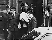 Pix: Barry Wilkinson/SWpix.com. The Yorkshire Ripper Archive. The Peter Sutcliffe Archive 14th May 1979 - 11th May1980...COPYRIGHT PICTURE>>SIMON WILKINSON>>0870 092 0092>>..Yorkshire Ripper 1981..Peter Sutcliffe is escorted from Dewsbury Town Hall.