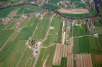 Biogasanlage in Reitbrookl: EUROPA, DEUTSCHLAND, HAMBURG, (EUROPE, GERMANY), 12.04.2014:  Vier- und Marschlande, Vierlande, Vierlanden,  Neuengammer Hausdeich, Vorderdeich, Biogasanlage, Air, Luftbild, Aufwind,