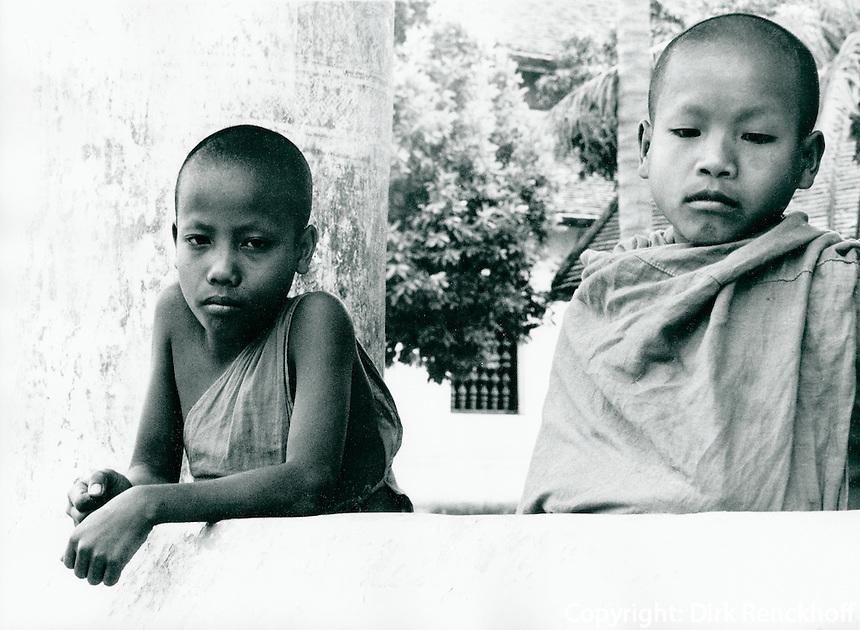 Junge Mönche in Thailand 1972