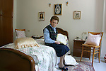Burano, merlettaia Emma  nella sua casa, 2004, lace maker Emma at home  © Fulvia Farassino
