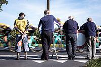 'Koolskamp Koers' signaleur <br /> <br /> 104th Kampioenschap van Vlaanderen 2019<br /> One Day Race: Koolskamp > Koolskamp 186km (UCI 1.1)<br /> ©kramon