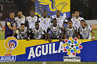 ENVIGADO- COLOMBIA, 31-08-2019.Formación de Águilas Doradas ante el Envigado durante partido por la fecha 9 de la Liga Águila II 2019 jugado en el estadio Polideportivo Sur de la ciudad de Medellín. /Team of Aguilas Doradas agaisnt  of Envigado  during the match for the date 9 of the Liga Aguila II 2019 played at Polideportivo Sur stadium in Medellin  city. Photo: VizzorImage / Leon Monsalve/ Contribuidor