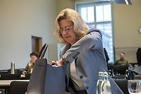 """10. Sitzung des 2. Untersuchungsausschusses <br /> der 18. Wahlperiode des Berliner Abgeordnetenhaus - """"BER II"""" - am Freitag den 1. Maerz 2019.<br /> Der Ausschuss soll die Ursachen, Konsequenzen und Verantwortung fuer die Kosten- und Terminueberschreitungen des im Bau befindlichen Flughafens """"Berlin Brandenburg Willy Brandt"""" aufklaeren.<br /> Als oeffentlicher Tagesordnungspunkt war die Beweiserhebung durch Vernehmung der Zeugin Heike Foelster (im Bild) vorgesehen. Heike Foelster ist seit 2013 Geschaeftsfuehrerin Finanzen (CFO) beim Flughafen Berlin Brandenburg.<br /> 27.2.2019, Berlin<br /> Copyright: Christian-Ditsch.de<br /> [Inhaltsveraendernde Manipulation des Fotos nur nach ausdruecklicher Genehmigung des Fotografen. Vereinbarungen ueber Abtretung von Persoenlichkeitsrechten/Model Release der abgebildeten Person/Personen liegen nicht vor. NO MODEL RELEASE! Nur fuer Redaktionelle Zwecke. Don't publish without copyright Christian-Ditsch.de, Veroeffentlichung nur mit Fotografennennung, sowie gegen Honorar, MwSt. und Beleg. Konto: I N G - D i B a, IBAN DE58500105175400192269, BIC INGDDEFFXXX, Kontakt: post@christian-ditsch.de<br /> Bei der Bearbeitung der Dateiinformationen darf die Urheberkennzeichnung in den EXIF- und  IPTC-Daten nicht entfernt werden, diese sind in digitalen Medien nach §95c UrhG rechtlich geschuetzt. Der Urhebervermerk wird gemaess §13 UrhG verlangt.]"""