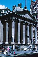 Nicholas Hawksmoor: St. George, Bloomsbury 1716-31. Photo '90.