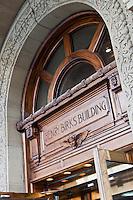 Amérique/Amérique du Nord/Canada/Québec/Montréal:  Portail de la Bijouterie Birks au  1240, square Phillips, qui abrite aussi le Birks Café par Europa,