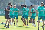 15.09.2020, Trainingsgelaende am wohninvest WESERSTADION - Platz 12, Bremen, GER, 1.FBL, Werder Bremen Training<br /> <br /> Aufwaermtraining<br /> Henrik Frach (Athletik-Trainer SV Werder Bremen )<br /> Maximilian Eggestein (Werder Bremen #35)<br /> Johannes Eggestein (Werder Bremen #24)<br /> Tahith Chong (Werder Bremen #22)<br /> Felix Agu (Werder Bremen / Neuzugang 17)<br /> <br /> <br /> Foto © nordphoto / Kokenge