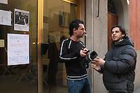 - neighborhood televisions, Telestreet network, broadcasting studio of Orfeo TV in Bologna....- televisioni di quartiere, circuito Telestreet, sudio di trasmissione di Orfeo TV a Bologna