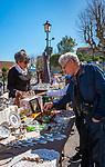 Frankreich, Provence-Alpes-Côte d'Azur, Villefranche-sur-Mer: Antikmarkt am Place Amélie-Pollonais | France, Provence-Alpes-Côte d'Azur, Villefranche-sur-Mer: antique market at square Place Amélie-Pollonais