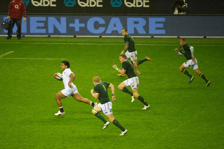 Manu Tuilagi of England makes a break during the QBE Autumn International match between England and South Africa at Twickenham on Saturday 24 November 2012 (Photo by Rob Munro)