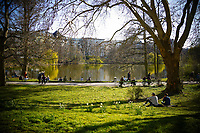 04 04 2020,Berlin,Germany,GER,the city in times of the corona pandemic Lietzenseepark Am See<br /> Photo Imago/Panoramic/Insidefoto