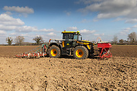 9.3.2021 Drilling Spring beans in Lincolnshire  <br /> ©Tim Scrivener Photographer 07850 303986<br />      ....Covering Agriculture In The UK....
